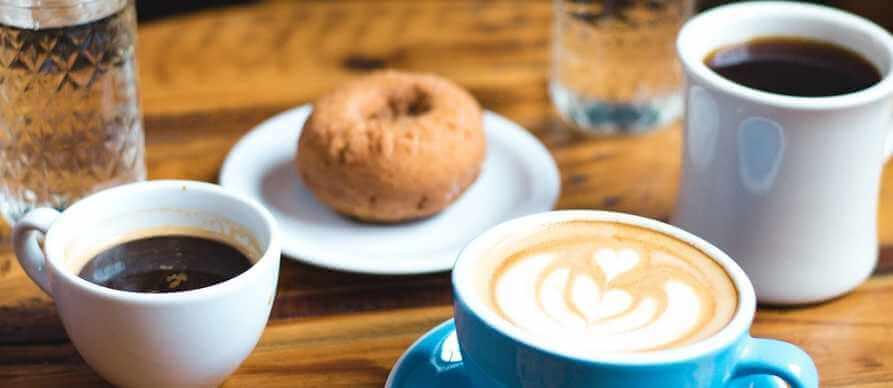 Kafa uz doručak