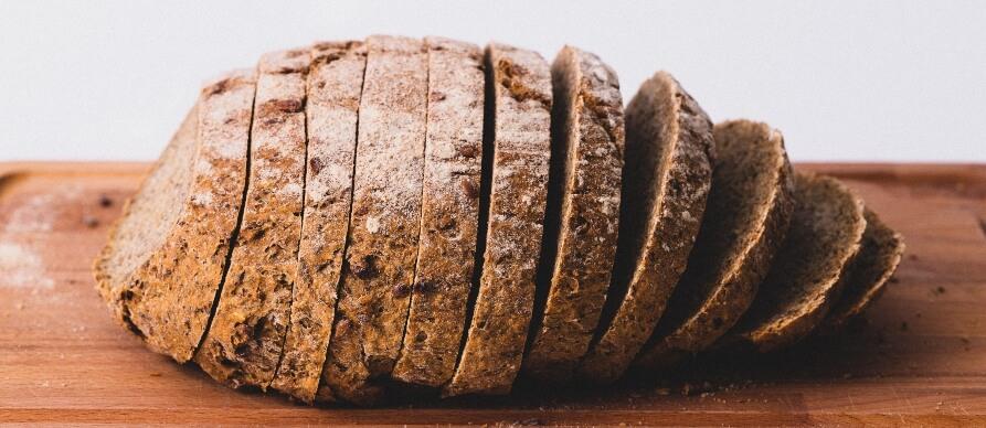 hleb naseckan na kriške